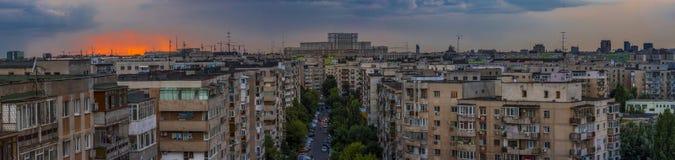 日落的布加勒斯特全景 库存照片