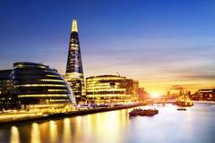 日落的新的伦敦市政厅 图库摄影
