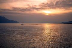 日落的日内瓦湖 免版税库存图片