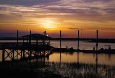 日落的查尔斯顿船坞 免版税库存照片