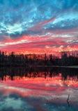 日落的池塘 库存图片