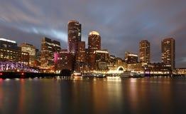 日落的波士顿财政区 图库摄影