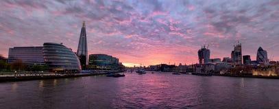 日落的泰晤士 免版税图库摄影
