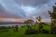 日落的湖阿雷纳尔 库存照片