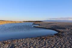 日落的湖,自然场面 库存照片