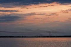 日落的湖 库存照片