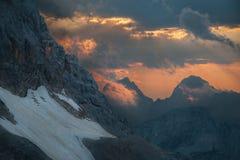 日落的特里格拉夫峰 免版税库存照片