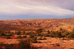 日落的红色沙漠,犹他 免版税图库摄影