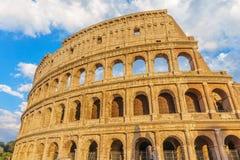 日落的罗马斗兽场或大剧场圆形露天剧场 图库摄影