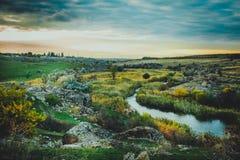 日落的美丽的河 免版税库存照片