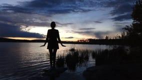 日落的芭蕾舞女演员! 图库摄影