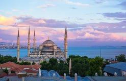 日落的蓝色清真寺在伊斯坦布尔,土耳其, 免版税图库摄影