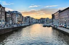 日落的阿姆斯特丹运河 库存照片
