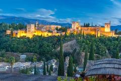 日落的阿尔罕布拉宫在格拉纳达,安大路西亚,西班牙 库存图片