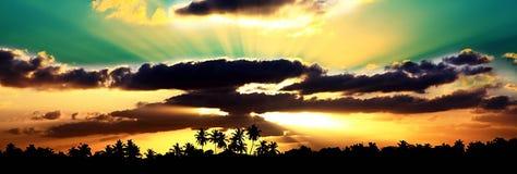 日落的马尔代夫 免版税库存图片