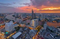 日落的,曼谷,泰国昭披耶河 免版税库存照片