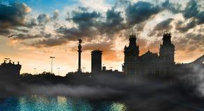 日落的巴塞罗那港口 图库摄影
