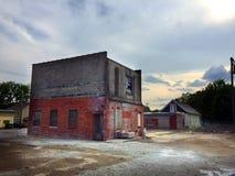 日落的01砖瓦房海岛 库存照片