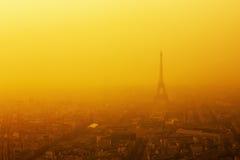 日落的巴黎-艾菲尔铁塔 免版税库存照片