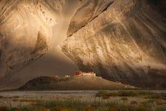 日落的Rangdum修道院 免版税图库摄影