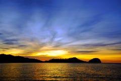 日落的Togean海岛 印度尼西亚 免版税库存图片