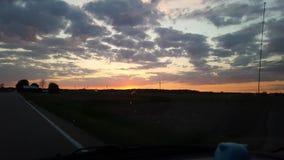 日落美好的夏天乐趣 免版税库存照片