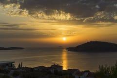 日落美好的夏天晚上在Razanj克罗地亚 免版税库存照片