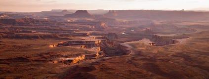 日落苏打斯普林斯盆地绿河乐队峡谷地国家公园 图库摄影