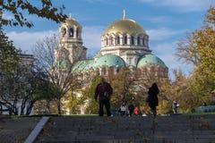 日落观点的大教堂圣徒亚历山大Nevski在索非亚,保加利亚 免版税库存图片