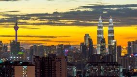 日落视图在街市吉隆坡 免版税库存图片