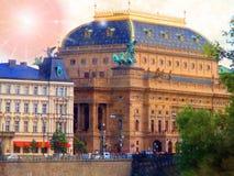 日落,国家戏院,布拉格,捷克摘要  库存照片