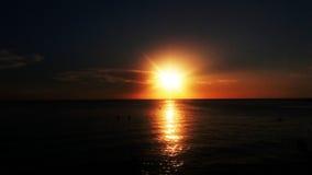 日落,圣玛尔塔海滩 免版税库存照片