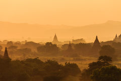 日落,在缅甸(Burmar)的Bagan 免版税库存图片