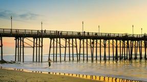 日落,海边码头,加利福尼亚 免版税图库摄影