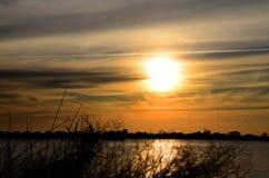 日落,湖Guaiba,阿雷格里港,南里奥格兰德州,巴西 免版税库存照片