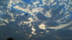 日落-美丽的云彩 免版税库存照片