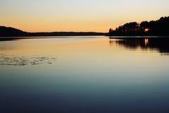 日落 Kenozero湖 变老的照片 北极北部拉普兰本质俄语 库存图片