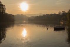 日落iseo湖意大利 免版税库存图片