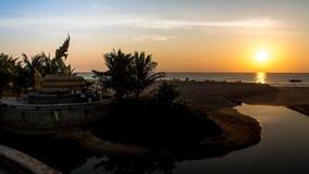 日落Karon海滩 库存图片
