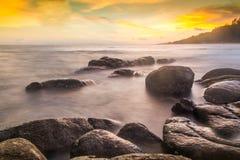 日落Longexposure美丽的泰国海  免版税库存图片