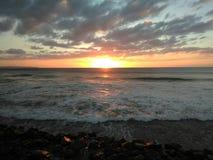 日落Playa Rompeolas Aquadillia波多黎各 图库摄影