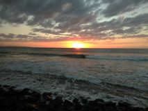 日落Playa Rompeolas Aquadillia波多黎各 库存照片