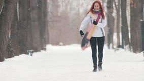 日霜1月天然公园多雪的结构树冬天 E 跳 股票录像