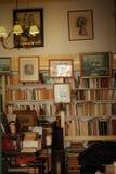 旧书商店在里斯本 免版税库存图片