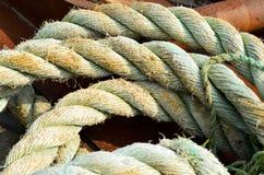 破旧的海洋绳索 免版税库存图片