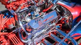 旧车改装的高速马力汽车福特引擎 免版税图库摄影