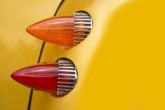旧车改装的高速马力汽车黄色 库存图片