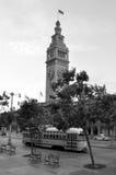 旧金山与PCC路面电车的轮渡大厦 免版税图库摄影