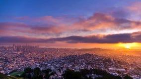 旧金山市-旧金山的地平线  库存图片