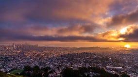 旧金山市-旧金山的地平线  库存照片